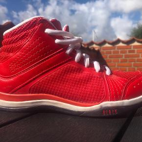 Bloch sneakers