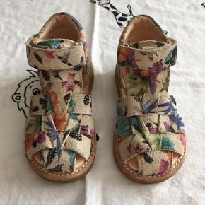 Super flotte og lækre sandaler fra Angulus (speciel Edition)Kun brugt få gange   Sender via Dao