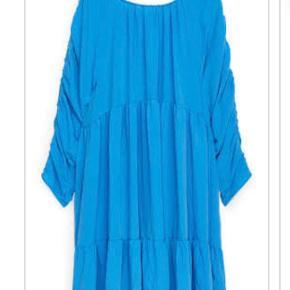 Arket kjole