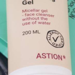 Astion facial cleaning gel