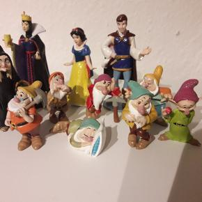 Søde og originale Disney figurer. De syv små dværge. Sælges kun samlet.