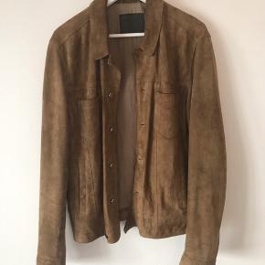 Allsaints ruskind jakke i fantastisk stand. Nypris var omkring de 3500, men du kan snuppe den for 950,-