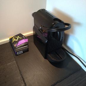 Nespresso maskine af modellen Inissia. Nogle år gammel. Sælges da vi har opgraderet til mælkeskummer.