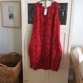 Kjolen er fra Puro Lino og er i 100% hør.