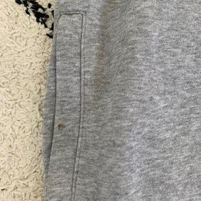 Joggingbukser fra h&m Har en lille plet ved den ene lomme