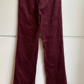 Zara Trafaluc burgundy wide legs corduroy trousers. High waist. Size S. Perfect condition, never worn.