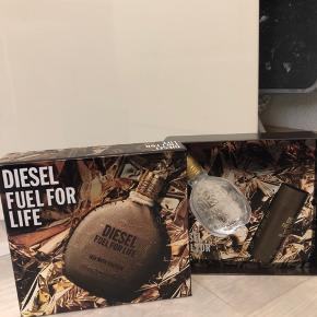 Lækker herreparfume. Ubrugt. Diesel fuel for life Parfumegaveæske  Parfume 30 ml Showergel 50 ml  Sender med DAO Se mine andre annoncer
