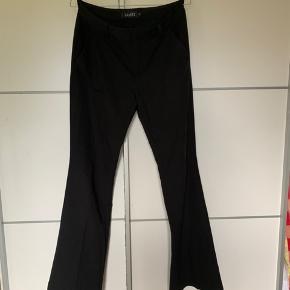 Sælger mine mbyM bukser, da jeg ikke bruger dem. De er kun brugt meget få gange.  Str. S Åben for bud
