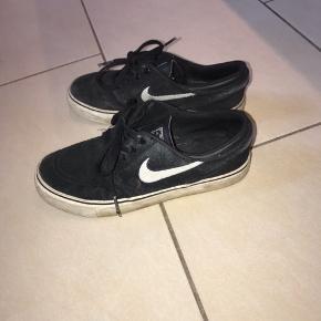 Nike SB i sort i en størrelse 36,5
