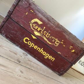 Charmerende, gammel Carlsberg kasse