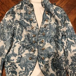 Ny jakke/blazer ..købt på netttet ..intet mærke..ligger stadig i plastisk ..