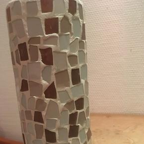 Smuk vase eller til fyrfadslys. Dansk design