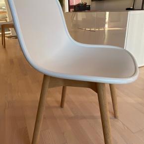 Gode spisebordsstole - Hay Neu 13 stole. Har 6 stk.  Har alm forbrugsspor i form af små ridser som man ikke kan undgå, men fremstår ellers fine.  Pris for alle 6 stole 2000,- (nypris 1500,- pr stk,-)