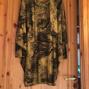 Superflot tunika/kjole one size (s-xxl) mustard farve combi.