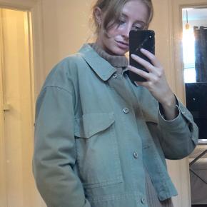 Army jakke fra Zara 🤍
