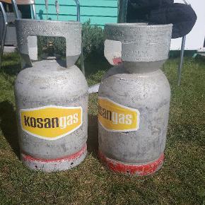 Gas flasker sælges den ene er der stadig lidt gas i.