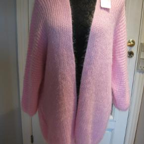 New collection cardigan
