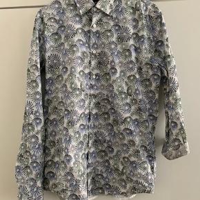 Super lækker skjorte 72 % bomuld 25 % polymid 3 % elastan
