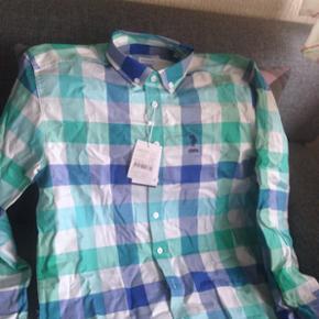 Skjorte fra U.S. POLO ASSN. Original Aldrig brugt.