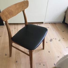 Børge Mogensen-lignende stol, fejler intet, bortset fra et lille mærke i sædet (se foto )