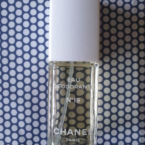 Chanel no 19 Meget lidt brugt. Køber betaler ts og porto 🌷🌷