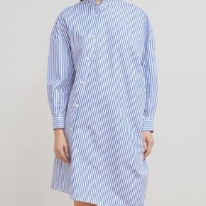 Toteme skjorte kjole  Np ca 2500 Mp 800