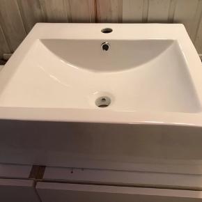 Rigtig flot håndvask. Nypris 1400kr Aldrig brugt
