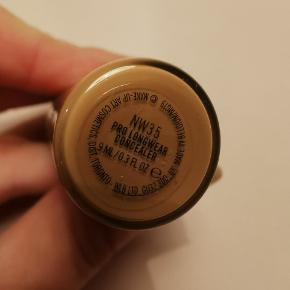 Mac pro longwear concealer Farve: NW35 Kun prøvet på og passer ikke til mig. Åbnet for 2 uger siden