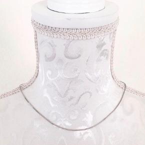 Flot sølvkæde, måler 40 cm, rigtig fin.