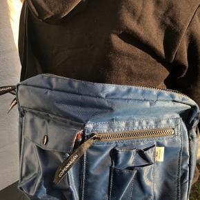 Mads Nørgaard Taske Bel Air Mørkeblå Skriv hvis du er interreseret i flere billeder.