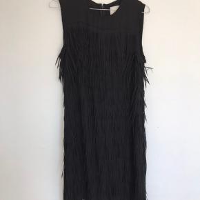 Sælger denne smukke kjole. Virkelig smuk på!  Byd endelig :-)