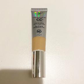 IT Cosmetics makeup
