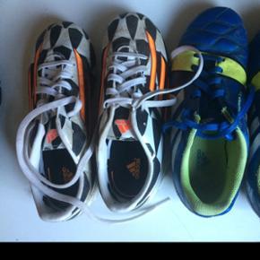 Adidas fodboldstøvler:Hvide str 34 Blå str 36