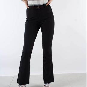 "Moves bukser i modellen ""sassy"". Brugt et stykke tid, men fremstår nærmest som nye."