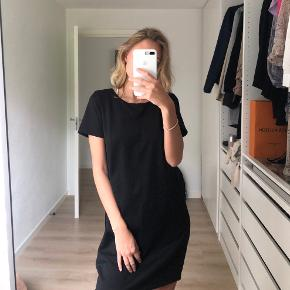 VILA kjole, størrelse M Brugt få gange  Sender gennem trendsales📦