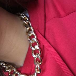 Guld choker chain, justerbar Nypris 79 kr., aldrig brugt
