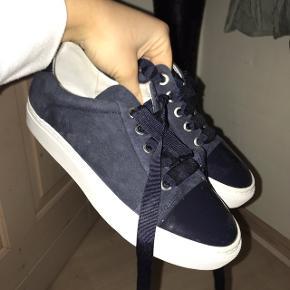 Sælger disse fine sko fra Billi Bi🌸 De fremstår som nye, da de kun er brugt 3 gange🌸 Send pb for mere info eller flere billeder!
