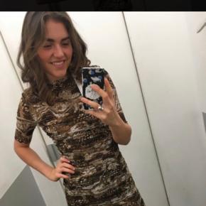 Mega smuk ganni kjole - sælges, fordi jeg ikke får den brugt...