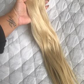 Fineste extensions fra Lala Lounge. Hairtalk Denmark. Syet på i 4 uger og ikke brugt siden. Behandlet med Shu umuera.   100gr. 50cm  Jeg gav selv 7800 med påstigning.