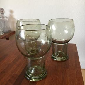 Super smukke glas, har desværre kun 3. De er grønne og rigtig flotte.