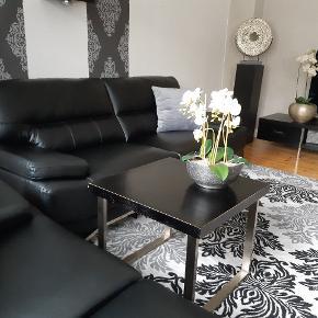 Super flotte sofaer ca 1 år gammle. Købt i Dealls Bolighus. Sælges samlet til 2000kr. Har du spørgsmål er du velkommen til at ringe på 50839393