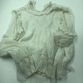Fin skjorte fra Zara.  BYD gerne. Har en en lille fejl ved ærmet se billede.