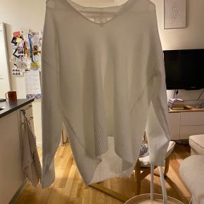Dejlig, hvid strik fra H&M
