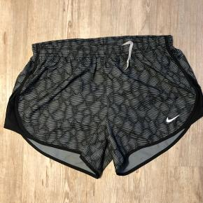 Nike shorts  Ny pris 500