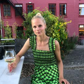GANNI Sleeveless Seersucker Check Maxi Dress Neon Brugt 2 gange. Størrelse 36