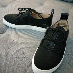 Fede sneakers fra Malene Birger. Brugt få gange.  Kan sendes👍