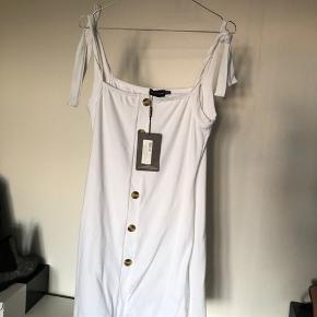 Kjole fra prettylittlething Str. S/M Ikke lige mig mere derfor sælger jeg den