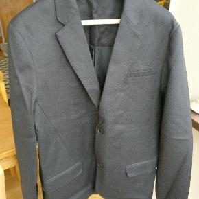 Blazer jacket fra won hundred en sample model. Lavet i en kraftig bomuldskvalitet, kan passende bruges som outdoor blazer. Fitter en M/L