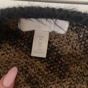Sælger denne populære strik fra h&m i str xs, snup den for 50kr