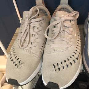 Nike w dualtone racer woven   ‼️ Husk at tjekke mine andre annoncer ‼️